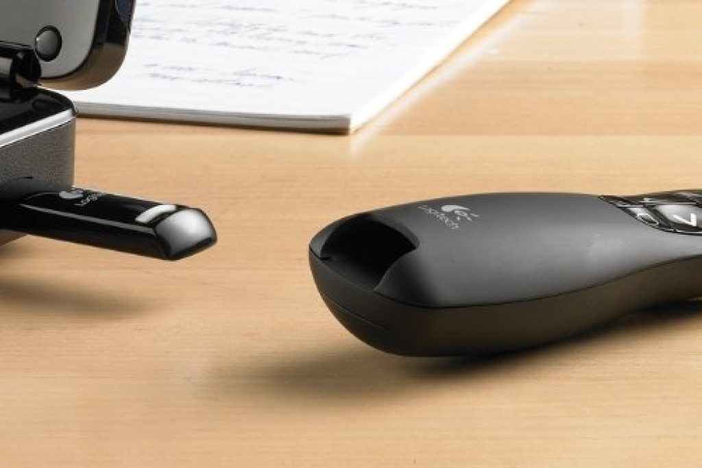 Pointeur laser Logitech Wireless Presenter R400